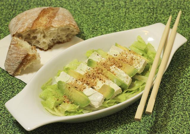 avokádo salát.jpg