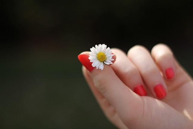 Potřebná péče o nehty