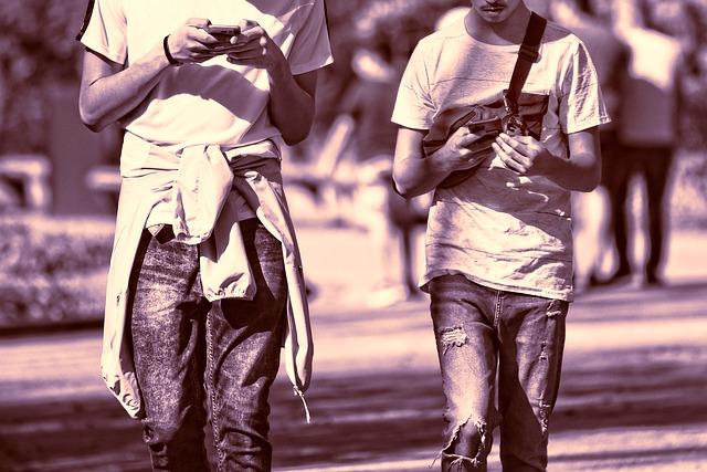 Mladí chlapci