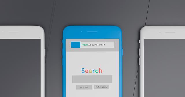 mobilní telefon s otevřeným vyhledávačem Google