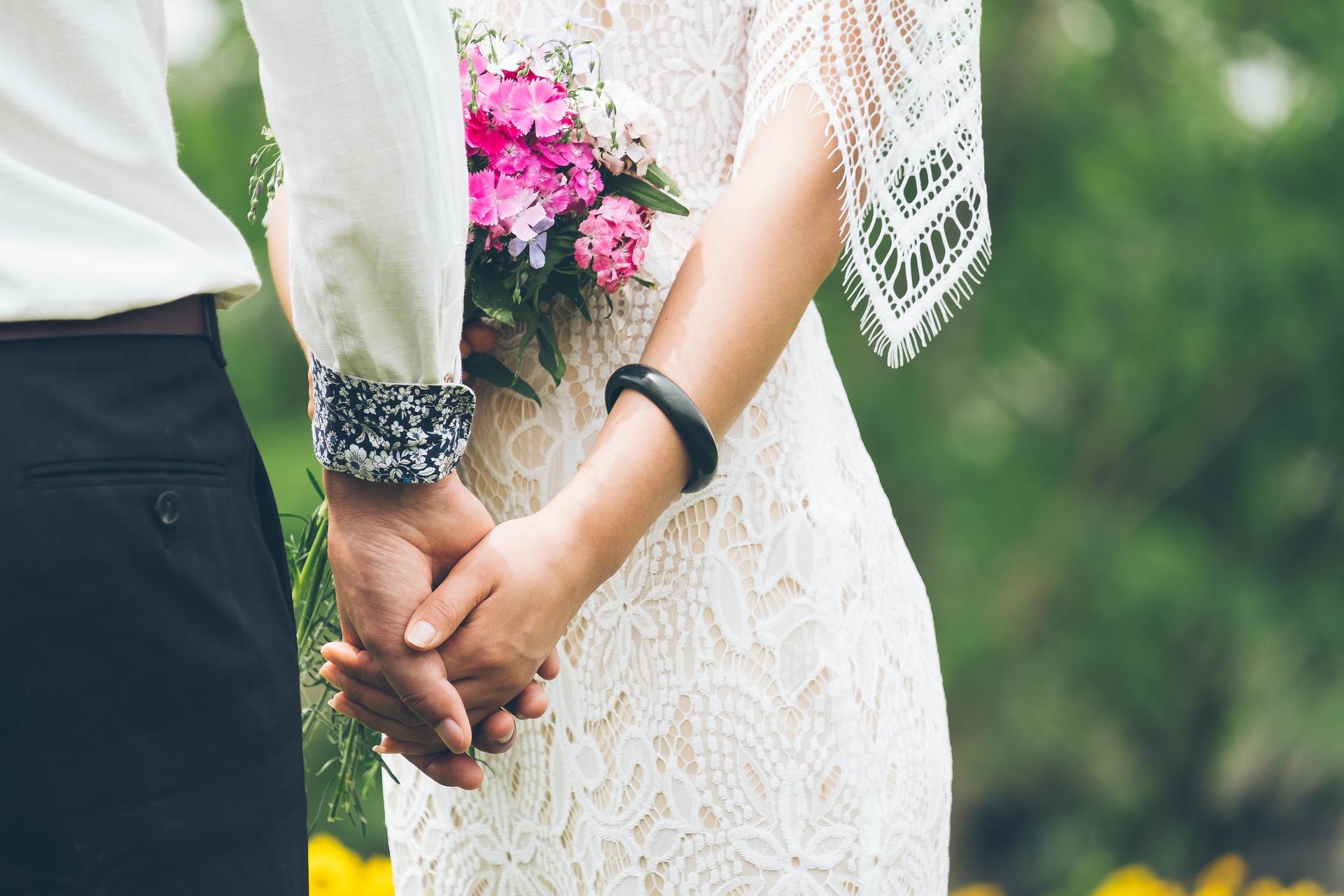 Jak vybrat svatební šaty?